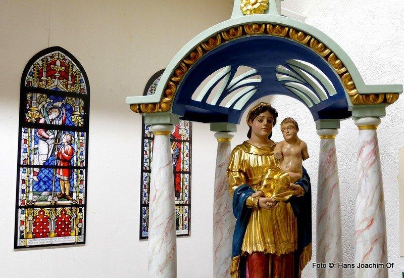 Die restaurierte Madonnenfigur aus der alten Heimat